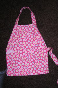 Makes by Mum – Apron for 3 – 6 year olds