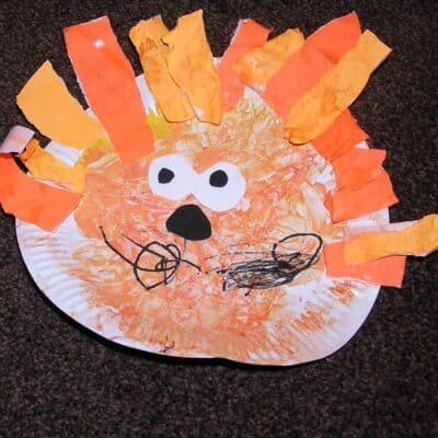 Simple Toddler Craft – Paper Plate Lion Face