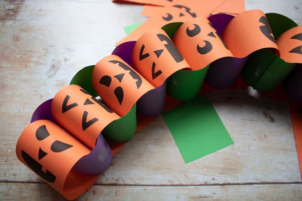 Easy Halloween Paper Chains to Make with Toddlers