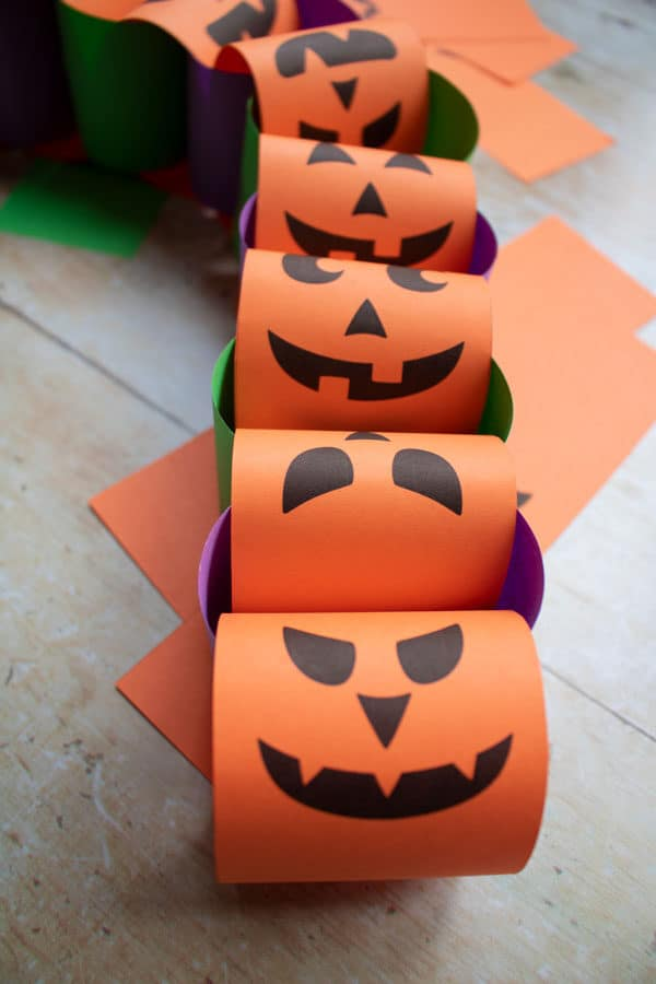 Halloween Paper Chains to Make with kids with free printables