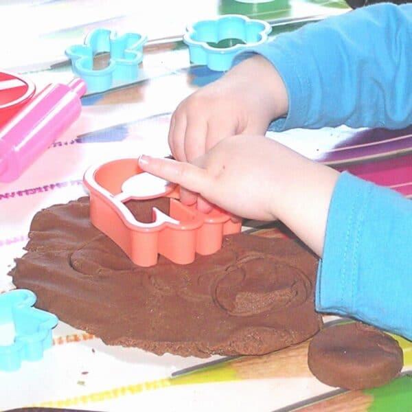 recipe for homemade no cook chocolate playdough without cream of tartar