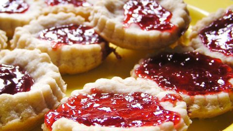 Easy queen of hearts jam tart recipe to cook with kids forumfinder Images