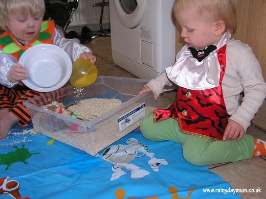 Sensory tub play