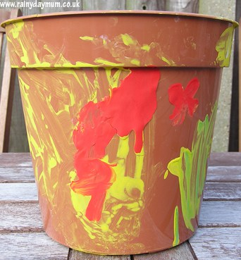 Toddler craft - decorated pot for sunflowers