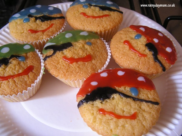 pirate faces cup cakes