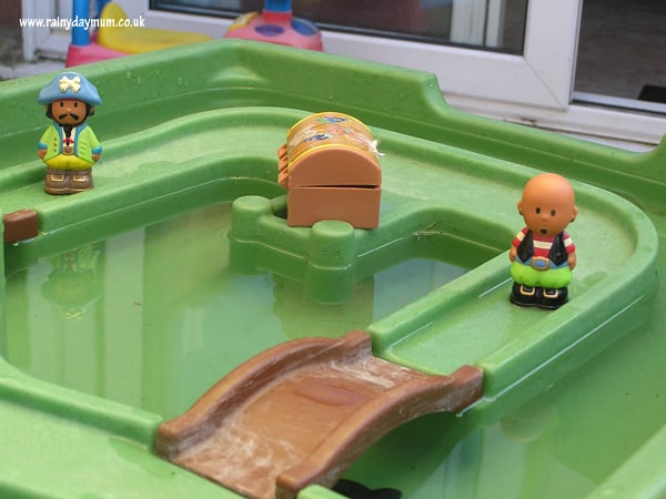 Water table pirate small world play