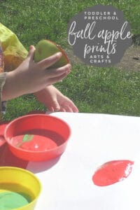 making apple prints with toddlers and preschoolers