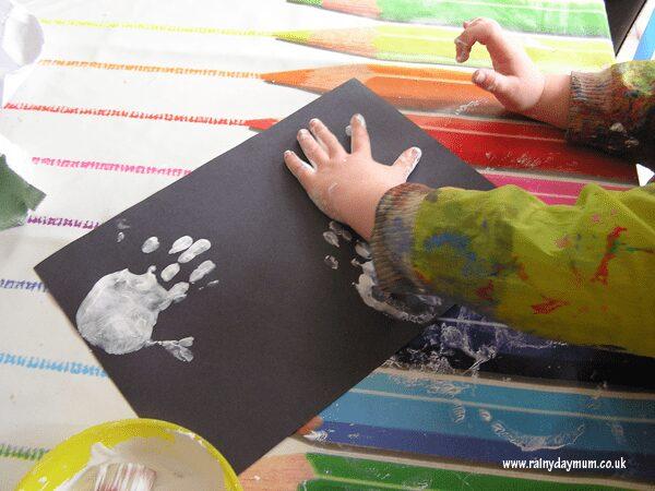 handprint ghosts for halloween