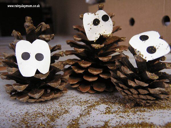 pinecone owls easy to make woodland craft for toddlers and preschoolers