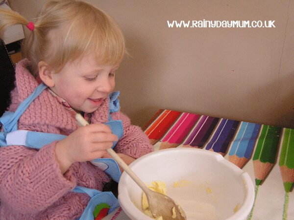 Simple Cupcake Recipe to make with kids