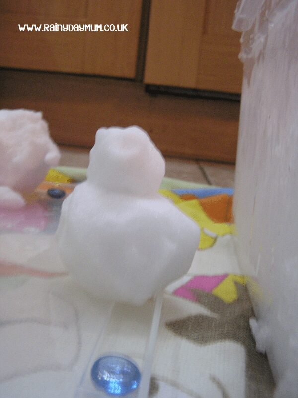 snowmen making with toddlers and prechoolers