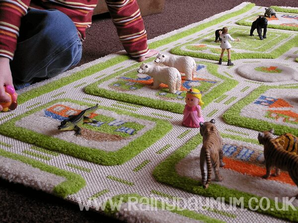 100 days of play and some imaginative floor play for kids