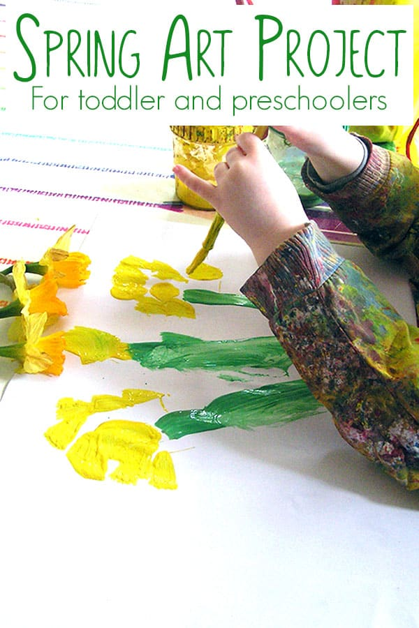 Spring Art Project for Toddlers and Preschoolers. Painting daffodils from the store or garden. A fun way to introduce painting what you see to your tots.
