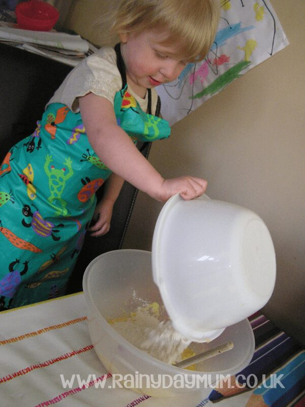 Creative baking with toddlers - butterfly cakes and cookies #cbias