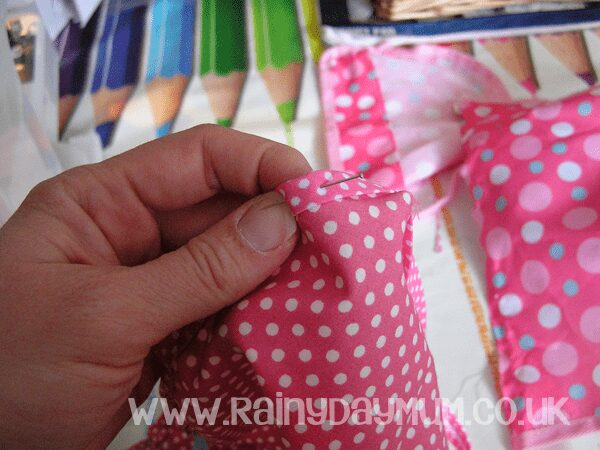 Pinning bias tape in place pinspired craft