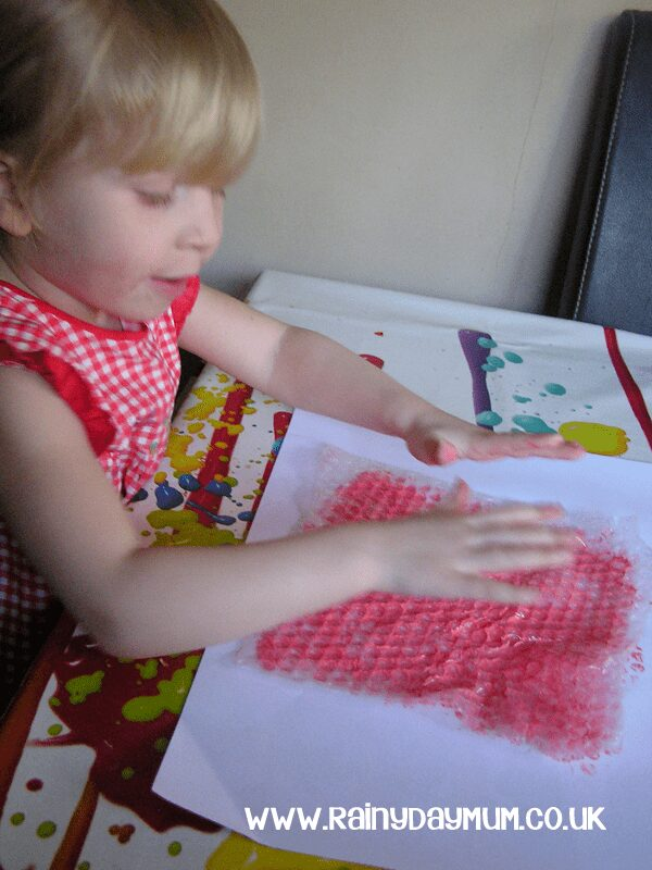 Printing with Bubble Wrap - create a Valentines Card