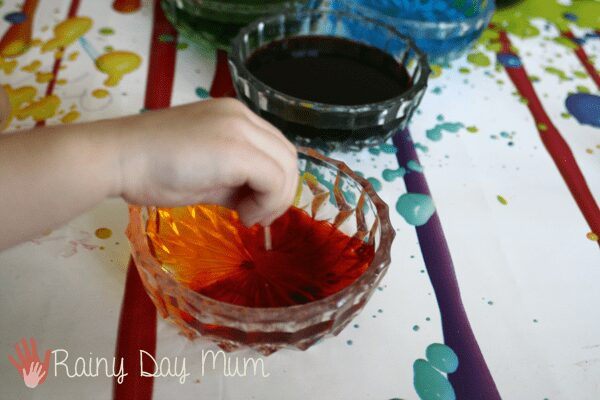 How to dye shells with your kids for summer crafts
