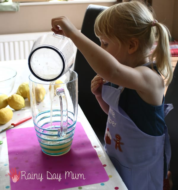 step by step instructions on how to make lemonade with kids