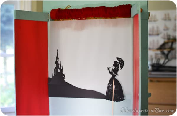 The Princess and the Pea Shadow Theatre - free printables to create your own at home