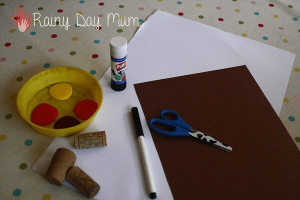materials for making a tree craft for toddlers