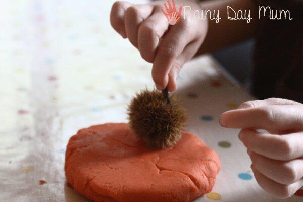 Autumn Playdough - working on sensory vocabulary