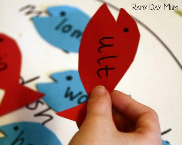 One Fish Two Fish - real and pseudo word phonics game - practice reading letters and blends and determine whether a word is a real word or a fake or pseudo word based on the book One Fish Two Fish Red Fish Blue Fish by Dr Seuss