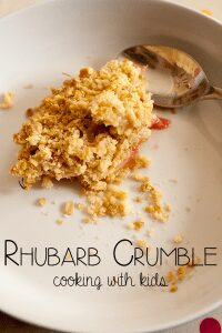 Rhubarb Crumble Recipe – Cooking with Kids