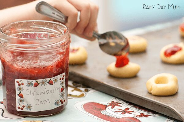 Take advantage of the strawberry season this summer and make your own Jam then use it to create these delicious jam splogger cookies ideal as a sweet snack especially for kids