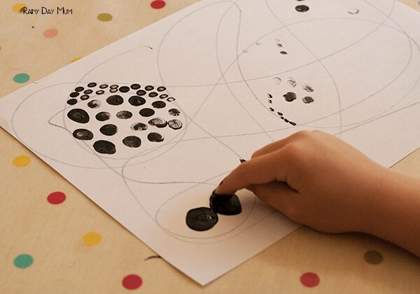 Black Dot Printing, creative art project for mixed age groups of children creating pictures created with black dots similar to old style newsprint