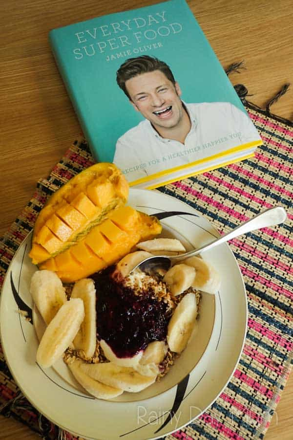 Healthy eating the Jamie Oliver way with this Toasted Oats, mango, blueberries and yoghurt recipe from the new Everyday Super Food! Book. Delicious healthy, hearty breakfast to kick start the day and avoid the mid-morning snacking.