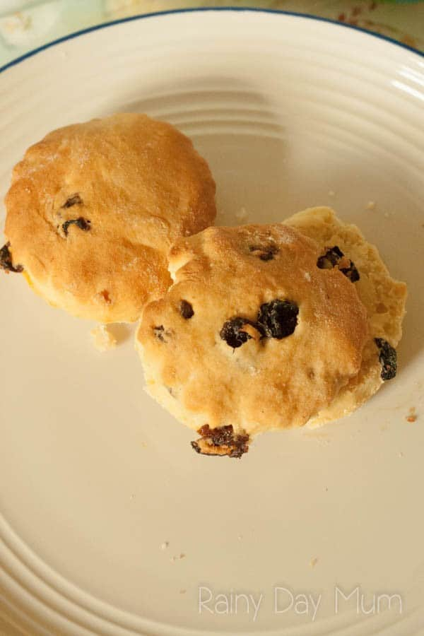 Traditional Fruit Scones recipes - ideal for afternoon tea or as an after school treat for the kids.