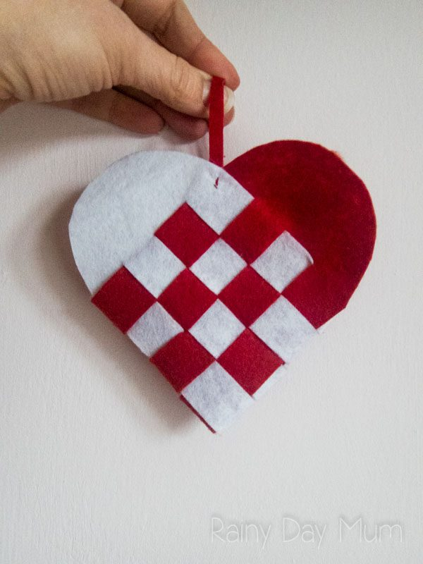 Create your own Scandinavian Woven Heart Ornament to decorate the or home or tree. Follow these simple instructions for a little Hygge in your home.