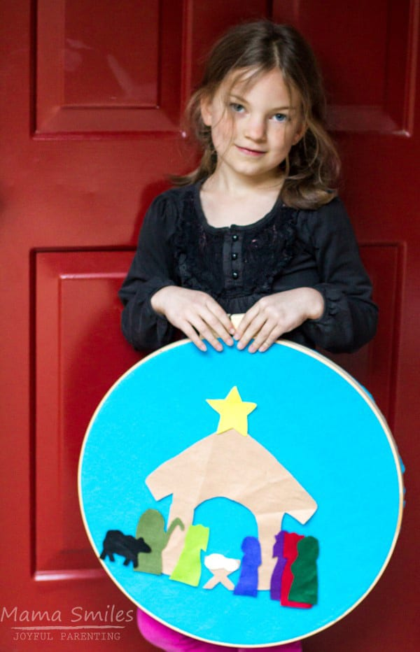 Simple and easy to make Nativity Story Felt Board that children can use to retell The Christmas Story an ideal advent activity for children this Christmas.