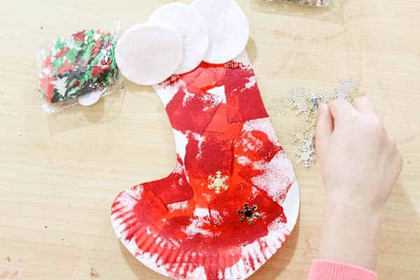Paper plate christmas stocking craft for kids for Stocking crafts for toddlers