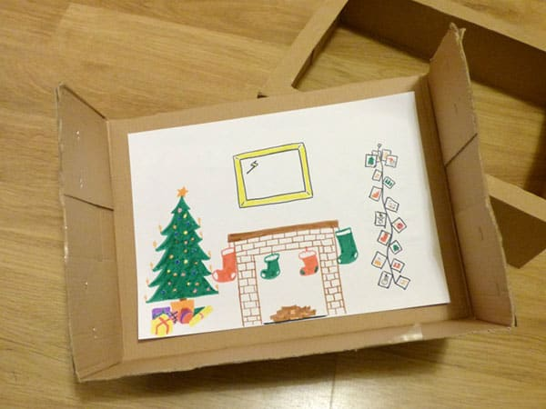 Simple Christmas Craft and Play activity for Kids. DIY puppet theatre based on the story Twas the Night Before Christmas ideal for Kids to Make.