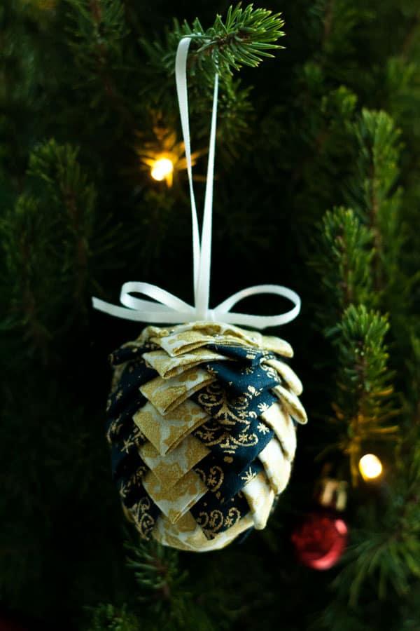NO SEW Fabric Pinecone Ornaments tutorial