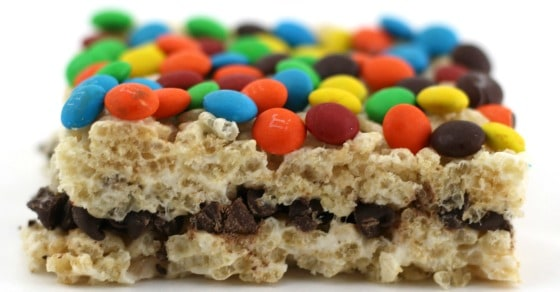 Sedimentary rock edible model with rice krispies, marshmallows, chocolate chips and M&Ms showing how the layers are created in the rock cycle