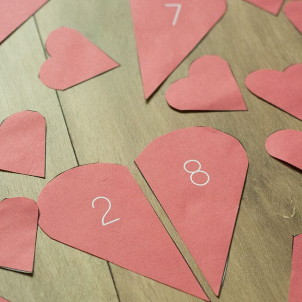 Valentines Times themed preschool maths activity. Match the pieces of the broken hearts together to form numbers bonds of 10