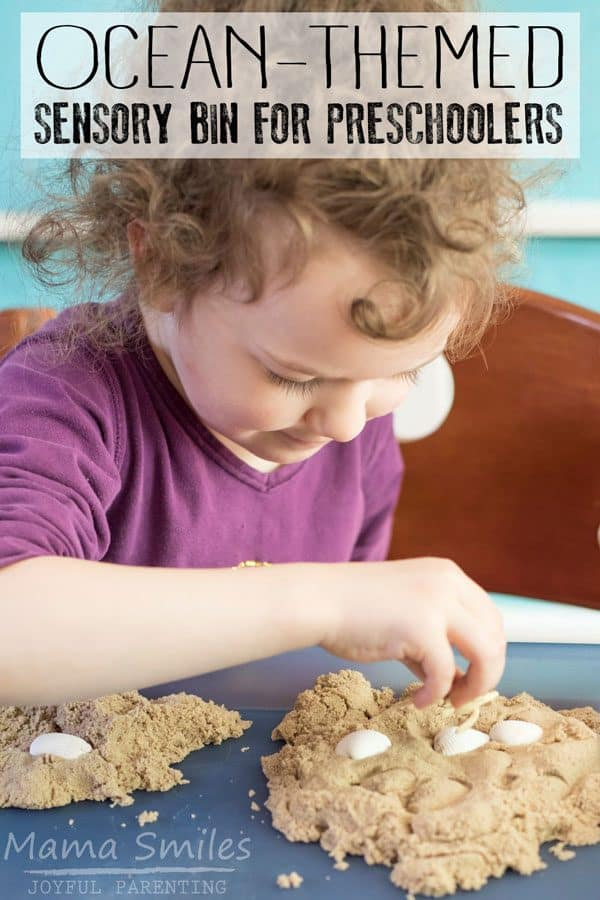 Quick and easy to set up sensory bin for preschoolers to explore, learn and use for retelling favourite ocean-themed storybooks.