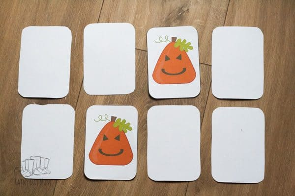 Printable pumpkin shape card game for preschoolers and kindergarten to recognise 2D shapes.