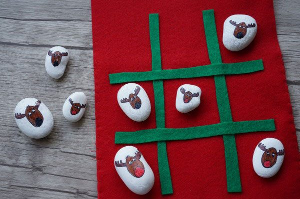 DIY Reindeer and Rudolph Tic Tac Toe Game for Kids to make and play