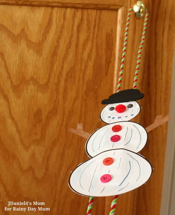 Fun winter or Christmas themed STEAM challenge activity for kids based on the storybook and movie The Snowman by Raymond Briggs.