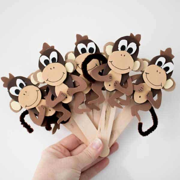 Diy Five Little Monkey S Jumping On The Bed Puppets