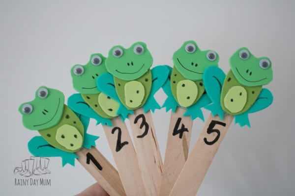 Create your own puppets to use in circle time or with your child for the popular children's rhyme Five Little Speckled Frogs. These easy to make puppets are perfect for playing with and helping your child recognise numbers and count aloud as they sing the rhyme.