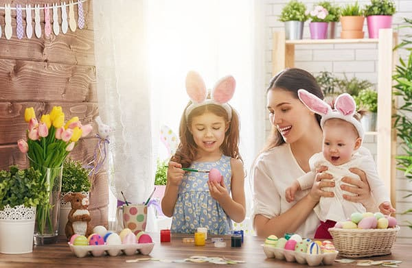 Ideas and inspiration for spending quality family together over the long weekend at Easter as a family including dyeing Easter eggs.