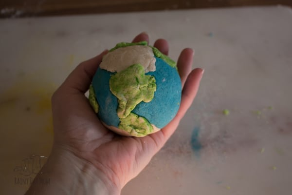 Instructions and recipe to create a 3D model of the layers of the earth using salt dough. Easy to make and can be air dried over time to label and learn. Fun Earth Science lesson for kids.