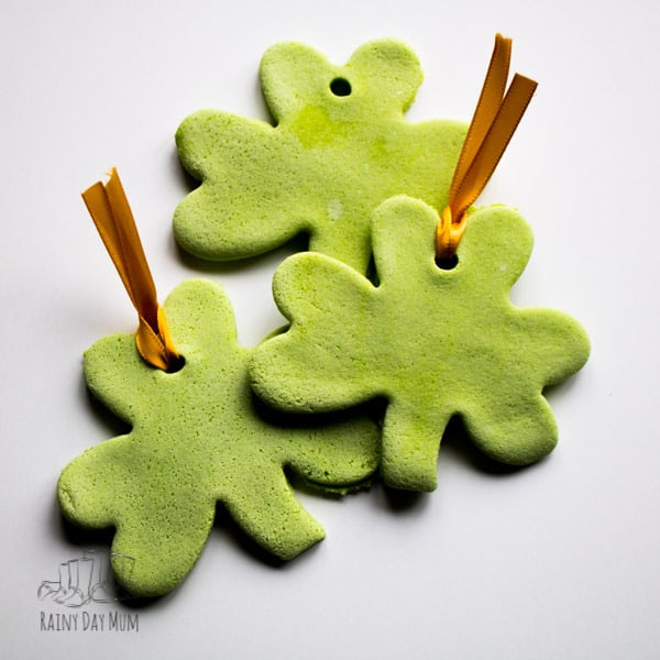 Easy coloured salt dough decorations to make for St Patrick's Day perfect for toddlers and preschoolers to get creative and create something that lasts.