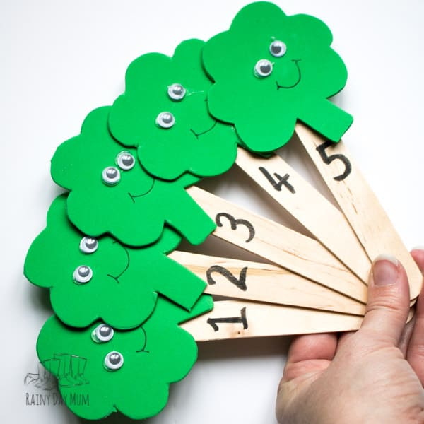 Celebrate St Patrick's Day with this fun children's rhyme to sing with your babies, toddlers and preschoolers. To support the rhyme create these really easy craft foam shamrock puppets as props to use whilst you sing along.