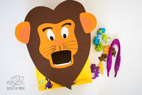 Get crafty and create this feed the lion counting and number game for toddlers and preschoolers. Ideal for those little ones that love to post. This game is ideal for a Zoo Theme or Jungle theme and includes extensions and variations using the same lion for more learning opportunities.
