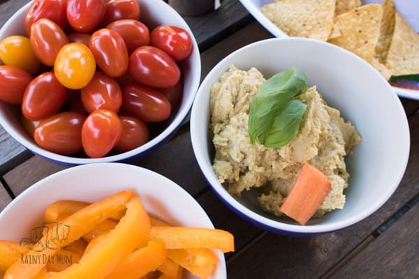 Try this quick and easy hummus inspired recipe perfect as a summer appertiser. Serve with vegetables and pitta bread and within 5 minutes you can have this on the table for everyone to enjoy.